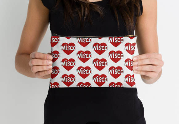 University of Wisconsin Badgers Zippered Pouch, Heart Design