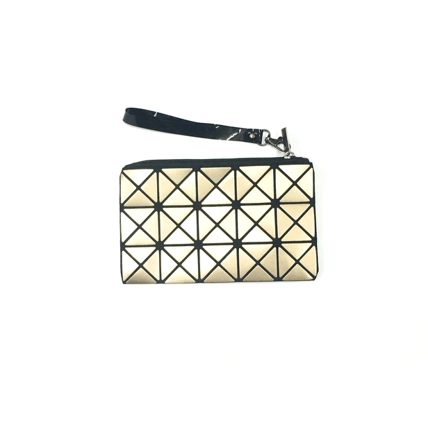 Triangle Design Wristlet in Gold